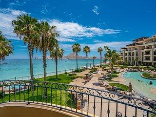 Villa La Estancia Beachfront 2nd Floor with Spectacular Medano Beach - Views!