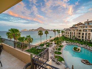 Villa La Estancia Beachfront 4th Floor with Stunning Views to Cabo San Lucas Bay