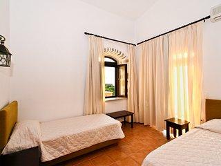 3 Bedroom villa Pool Access