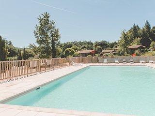 Chalet 4 personnes avec piscine de saison dans le Lot