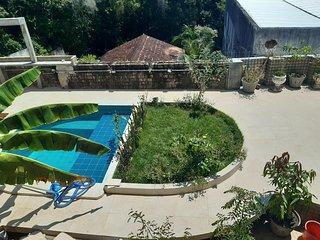 Apartamento c/ Jardim e Piscina Privativos - Apartment w/ Private Pool & Garden