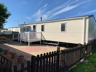 Hoilday Resort Unity Brean 6 Berth Superior Caravan