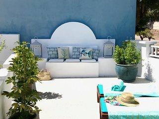 Exclusiva Casa Costera con Magnífica Terraza  y  wifi a 1 minuto de la playa.