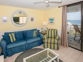 Gulf view from 7th floor with deeded beach access | Outdoor/Kiddie pools, Hot tu