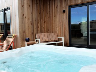 Whileaway Lodge, Strawberryfield Park - Two bedroom lodge with hot tub