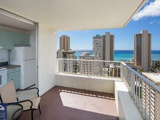Waikiki Townhouse 2503 *30 Day Minimum*