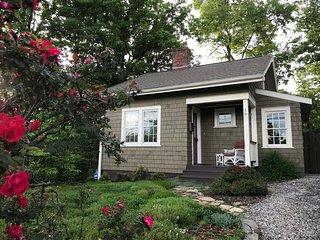 Corner Cottage, a Cozy and Private Retreat