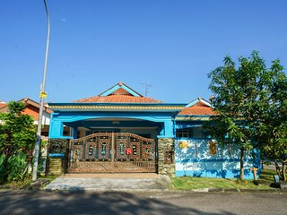 D'Orkid Homestay - Corner spacious single story house, 4 bedroom, 2 bathroom