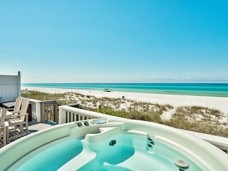 A View to Sea! West End! Sleeps 14! Hot Tub!