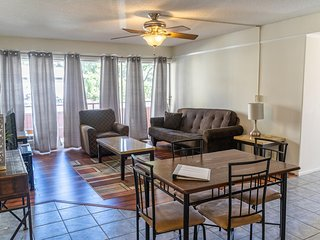 Budget Friendly 1Bd/1Ba Unit Near Int' Marketplace