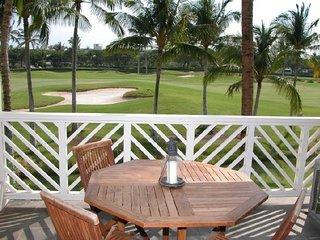 Fairway Villa | Walk to Anaehoomalu Bay