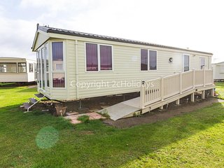 Wheelchair friendly dog friendly caravan for hire in Norfolk ref 19161