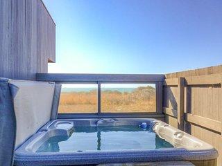 Dog-friendly home w/ cove views, a private hot tub, & rec center access!