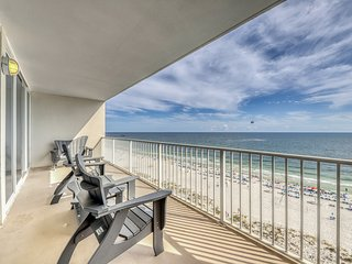 Updated, Gulf front condo w/ breathtaking views, shared outdoor pool & hot tub!