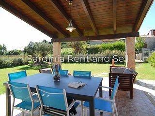 Cala Sinzias,Villa Alessia,500m mare,4 posti,ariac,giardino con prato