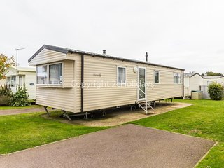 6 berth caravan for hire at Cherry tree holiday park in Norfolk ref 70316