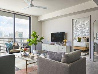 Domio | Downtown Miami | Luxury One Bedroom | Balcony + Pool + Gym