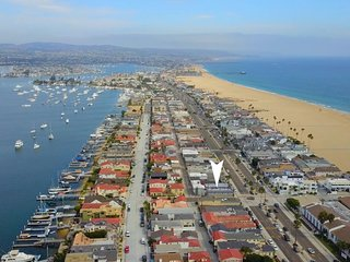 1244#4 Contemporary & Visually Stunning Beach Home, Sleeps 4