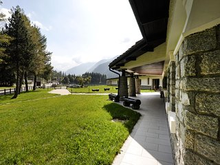 Brand new, modern 1 bdr apt short walk from the center of Gressoney S. Jean