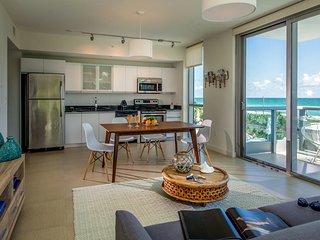 Domio | Miami Beach | Oceanfront View One Bedroom + Balcony