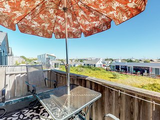 Waterfront getaway w/ dune & ocean views from the stunning, furnished balcony