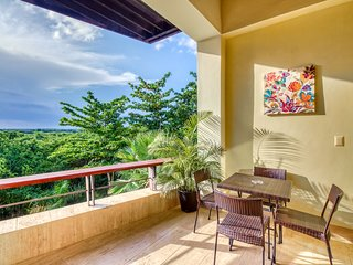 Resort apartment w/ balcony, tropical views & free pool/beach access!
