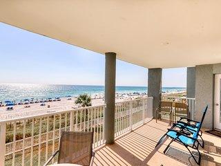 Beachfront resort condo w/shared hot tub, three resort pools, & gym