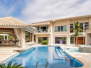 The Bachelor Mansion by Villa Coral