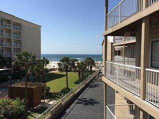 Romar Beach 208