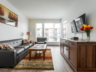 Garden Suite with parking in Downtown Victoria