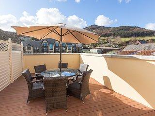 Carlingford Accommodation Five Star Apartment 17 Market Court, central location