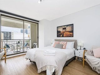 405 Charming Central, renovated, lift. chrome cast