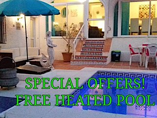 VILLA - FREE HEATED POOL - CAR NOT NECESSARY -FREE SUPER FAST WIFI