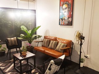 Beautiful 2 BR on Sathorn