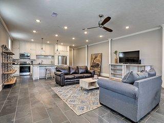 Galveston Condo Ideally Located to the Beach!