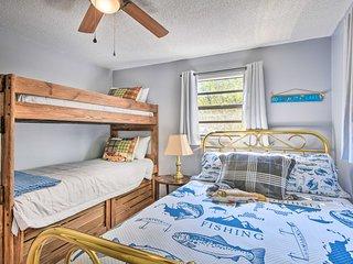 Bryson City Home w/Deck ~1 Mi to Fontana Lake