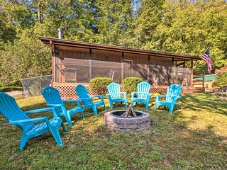 Bryson City Home w/Deck ~1 Mi to Fontana Lake
