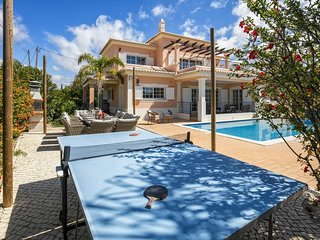 Casa Valhalla 5 Bed En-suite Villa. Perfect for families. Private pool Sleeps 11