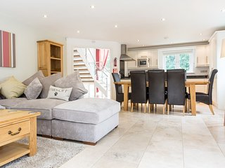Trewhiddle Villa 01 - Luxurious 4 bedroom New England style residences situated