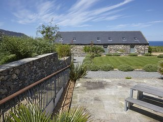 Stables 1 - The Stables 1 – A 5* 3 bedroom stone cottage configured for upside d