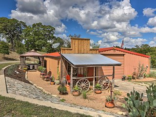 Kerrville Studio - Mins to River & Wineries!