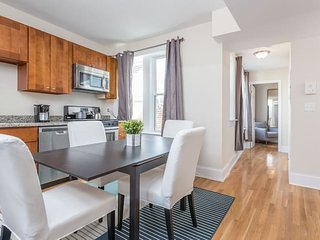 Beautiful 3 BR Apt in North End by Domio
