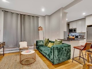 Stunning 4 BR Apt in heart of North End by Domio