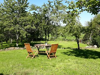 Stone gite with garden in tiny hamlet between Bellac & Chateauponsac, sleeps 4