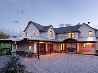 NEW Listing! Stunning Mountain Ranch House w/ Great Views!