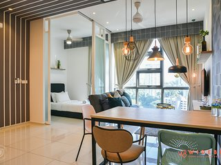 Amazing and Comfortable Apartment near KLCC