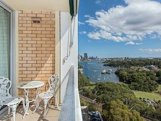 Stunning Harbour View Home!