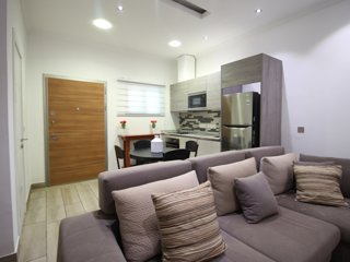 Acasia Apartments for Two w RoofTop Pool + Gym + Parking
