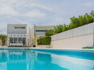 Villa Bonita - New!
