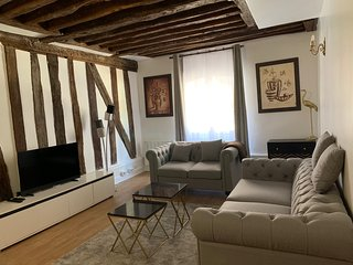 80m2, Cozy 2-bedrooms in the Marais, City Hall, Paris center